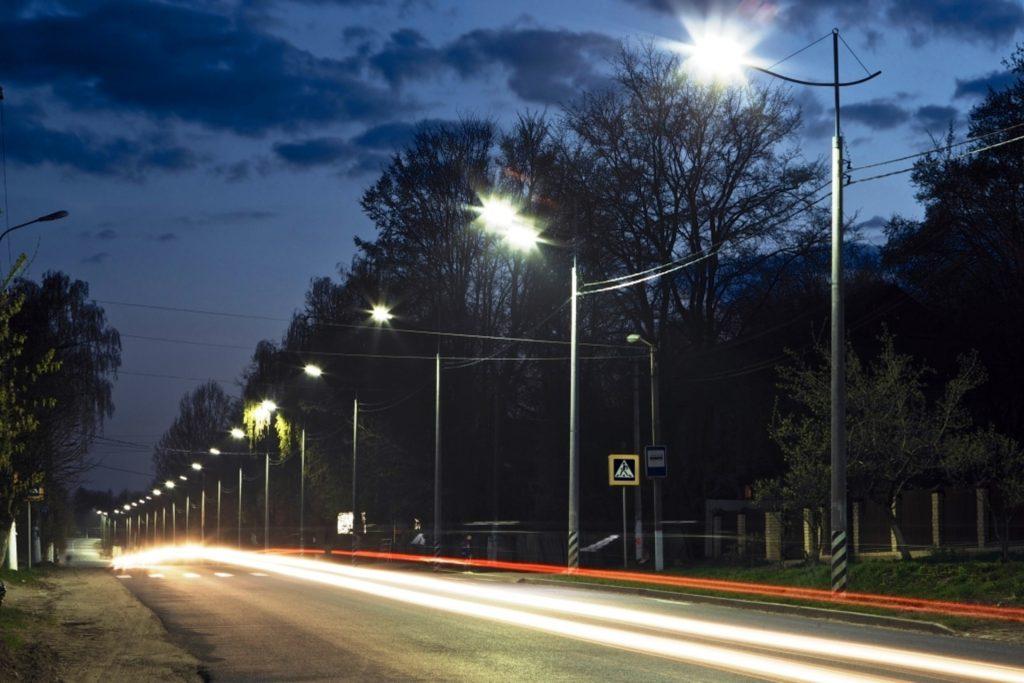 Уличное освещение города